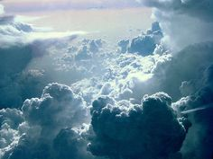 you know that dream where your flying through clouds?