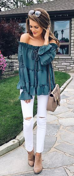 Awesome 37 Chic Summer Outfits To Update Your Wardrobe https://inspinre.com/2018/04/03/37-chic-summer-outfits-to-update-your-wardrobe/