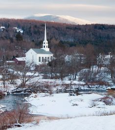Looking for the best winter towns in New England? These 10 destination towns prove warmth is where you find it, both outside and indoors. Photo: Sara Gray #newenglandtravel