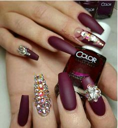 The manicure with pastes looks exquisite and luxurious, but at the same time it is distinguished by a special elegance. A distinctive feature of this manicure Glam Nails, Hot Nails, Fancy Nails, Bling Nails, Stiletto Nails, Beauty Nails, Coffin Nails, Fabulous Nails, Gorgeous Nails