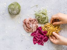 How-to: Pasta colorata Cabbage, Curry, Vegetables, Cooking, Ethnic Recipes, Food Basics, Pizza, Eat, Al Dente