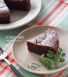 混ぜて焼くだけ!濃厚チョコレートケーキ