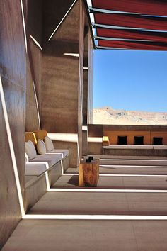 Amangiri Utah luxury resort, Canyon Point, Utah designed by Marwan Al-Sayed, Wendell Burnette and Rick Joy Architects Amangiri Hotel, Amangiri Resort Utah, Garden Architecture, Interior Architecture, Interior And Exterior, Resort Interior, Desert Homes, Decoration Inspiration, Relax