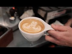 Coffee Talk: How to Make a Latte (Caffellatte)