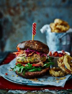 At The Willow in Kingston upon Thames, head chef Paul Smith specialises in healthier dishes, like this bunless, vegan falafel burger recipe. Falafel Burgers, Vegan Burgers, Gormet Burgers, Vegan Enchiladas, Vegan Vegetarian, Vegetarian Recipes, Gula, Carne Picada, Healthy Dishes