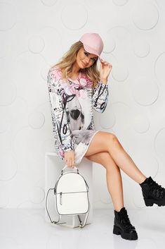 O bluza super cool, lejera, ideala pentru tinute casual, care poate fi purtata ca si rochie. Materialul este usor transparent. Dresses, Fashion, Vestidos, Moda, Fashion Styles, Dress, Fashion Illustrations, Gown, Outfits