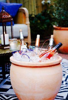 Ice bucket for wine