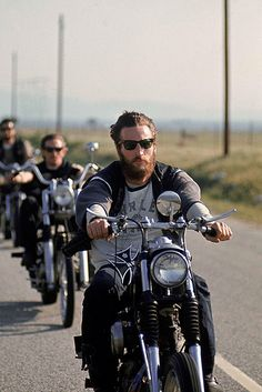 28 Captivating Photos Of Hells Angels From 1965 - BuzzFeed Mobile