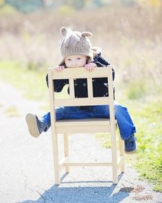 Silly Toddler Picture - With his hat! Kids Birthday Pictures, Toddler Pictures, Old Pictures, Baby Pictures, Baby Photos, Family Photos, Cute Pictures, Chair Photography, Toddler Photography