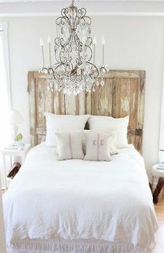 Love this white shabby chic room, the {chandelier} is gorgeous!