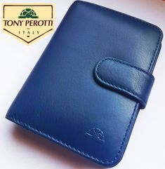 Tony Perotti (Mini) - 2021 - námornícka-modrá koža - mini-karisblok Card Case, Wallet, Mini, Cards, Luxury, Maps, Playing Cards, Purses, Diy Wallet