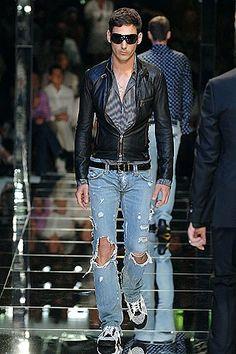Dolce & Gabbana Spring 2006 Menswear Collection Photos - Vogue