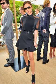 Victoria Beckham spotted at the CFDA/Vogue Fashion Fund Event.she wore Victoria Beckham Spice Girls, Vogue Fashion, Look Fashion, Fashion News, Womens Fashion, Fashion Clothes, Fashion Outfits, Victoria Beckham Outfits, Victoria Beckham Style