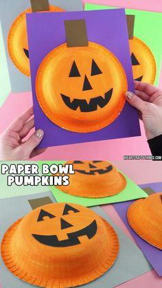 Video Halloween, Theme Halloween, Halloween Arts And Crafts, Halloween Decorations For Kids, Halloween Crafts For Toddlers, Halloween Crafts For Kids, Toddler Crafts, Preschool Crafts, Outdoor Decorations