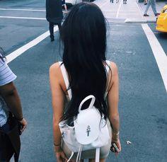 Madison Beer. White backpack. Long hair. Brunette.
