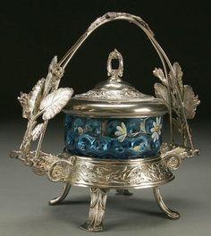 1325: A RARE PRUSSIAN BLUE PICKLE CASTOR circa 1900, sq : Lot 1325