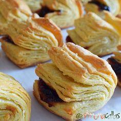 Carticele cu osanza haiose cu gem Romanian Desserts, Romanian Food, Romanian Recipes, Cake Decorating Piping, Mushroom Soup, Sweet Treats, Stuffed Mushrooms, Dessert Recipes, Food And Drink