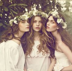 get ready my bridesmaids, your going to wear flower head pieces!