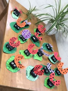 preschool…draw leaves and wings and have kids cut and make markings. make bodi… preschool…draw leaves and wings and have kids cut and make markings. Kids Crafts, Spring Crafts For Kids, Summer Crafts, Diy For Kids, Arts And Crafts, Easy Crafts, Ladybug Crafts, Butterfly Crafts, Preschool Garden