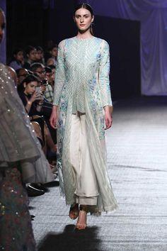 Manish Malhotra at Lakmé Fashion Week summer/resort 2016 | Vogue India | Fashion | Fashion Shows