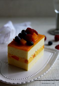 Am a little frustrated with my other half. hes outstation again. dont u just love them even more when they travel practically every s. Mango Mousse Cake, Dessert Mousse, Mango Cheesecake, Mango Cake, Köstliche Desserts, Healthy Dessert Recipes, Gourmet Recipes, Delicious Desserts, Mango Recipes