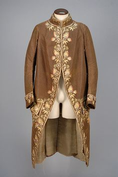 GENTS EMBROIDERED FORMAL COAT, 1775 - 1800.