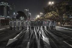 Coletivo Fotoprotesto SP documenta a ação policial na cidade de São Paulo. Saiba mais em http://www.jornaldafotografia.com.br/noticias/eventos/as-fotos-nas-ruas-ruas-nas-fotos-5-mostra-sao-paulo-de-fotografia/