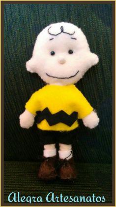 Charlie Brown em feltro Snoopy seu grande amigo, produzido por Alegra Artesanatos