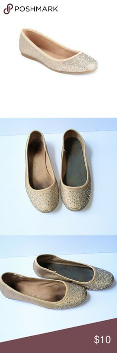 Style&Co Flats Used but great looking shoes! The thin piece of material came out of one shoe but you cannot notice it when shoes are on. Outside of shoes are in perfect condition! Style & Co Shoes Flats & Loafers