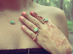 This summer I am henna tatting my hands, with marker of course ;)