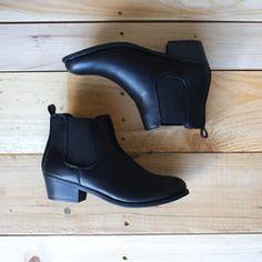 black chelsea boots - shophearts - 2