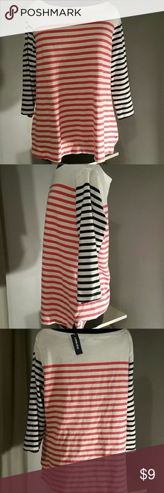 Nwt old Navy xl top Brand new with the tag  Size xl Boat neck 3/4 sleeves  Very thick  Classic stripes Old Navy Tops Blouses