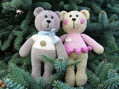 Adj te is egy medvét! – A mackó leírása – Kéknyúlbolt Rc Hobbies, Crochet Animals, Pikachu, Crochet Patterns, Teddy Bear, Diy Crafts, Christmas Ornaments, Toys, Holiday Decor