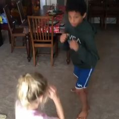 Training with her large brother · just out - FunnyCat Fight Techniques, Jiu Jitsu Techniques, Martial Arts Techniques, Self Defense Techniques, Krav Maga Techniques, Martial Arts Workout, Martial Arts Training, Boxing Training, Boxing Workout