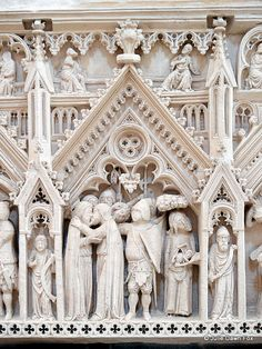 Detail, King Pedro's tomb, Alcobaça monastery, Portugal @SATA Airlines I have been, it's such a gorgeous place.