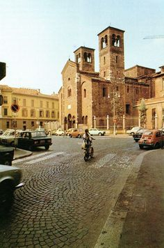 Milano, Piazza San Sepolcro Tuscany, Louvre, San, Building, Travel, Italia, Country, Rome, Scenery