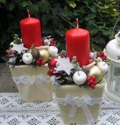 Vánoční+svícen+se+srdíčkem+Vánoční+svícen+v+keramickém+obalu+smetanové+barvy,+který+jsem+doplnila+vánočními+přízdobami,+umělou+zelení,+krajkou,+stužkou+a+malým+dřevěným+srdíčkem.+Šířka+dekorace+je+cca+10cm,+výška+cca+16cm+-+měřeno+s+nazdobením.+Již+pouze+jeden+kus.