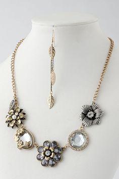 Vintage Jewel Flower Necklace