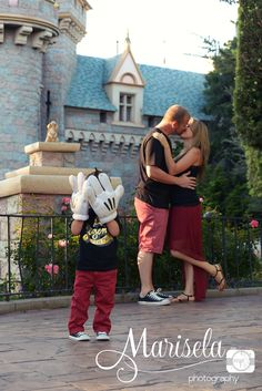 I want to do this photo in front of Cinderella's castle with my hubby and kids one day. Love it.