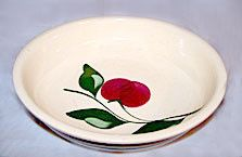 "Watt Pottery - Apple - Hand Painted - Spaghetti Bowl #39 - 13 1/2"""