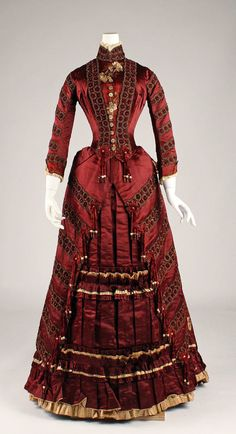 I am thoroughly smitten with the deeply saturated hue of this crimson Victorian dress from 1879. #clothing #fashion #Victorian #vintage #vintage #historical #costume #red #dress