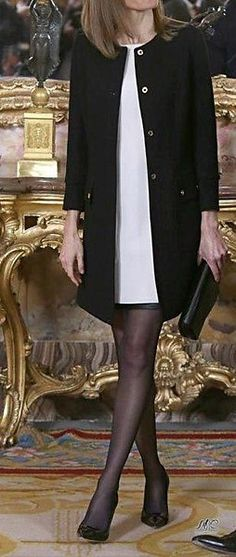 15 December 2014 - Queen Letizia meets the member of the Academia de las Artes y las Ciencias Cinematográficas, Madrid - dress by Felipe Varela Work Fashion, Fashion Outfits, Womens Fashion, Street Fashion, Winter Outfits, Cool Outfits, Business Attire, Royal Fashion, Look Chic