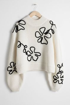 Wool Blend Floral Rope Sweater - White - Patterned sweaters - & Other Stories Diy Fashion, Ideias Fashion, Fashion Dresses, Fashion Design, Mode Crochet, Embroidered Clothes, Mode Inspiration, Sweater Weather, Winter Sweaters