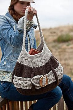 Ravelry: Laporte Ave. Tote pattern by Sharon Dreifuss (She-Knits)