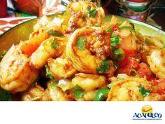 #gastronomiaguerrerense Degusta un plato de camarones a la mexicana en Acapulco. LAS MEJORES RECETAS. Los camarones a la mexicana es una de las formas en las que quedan más sabrosos estos crustáceos, pues llevan ajo, cebolla, perejil chiles, jitomate y diferentes especias. Los puedes encontrar bien servidos en muchos restaurantes del puerto y pueden ir acompañados de una guarnición. Te invitamos a probar esta delicia culinaria, durante tus próximas vacaciones en Acapulco…