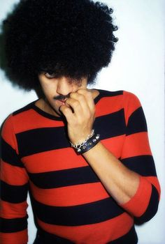 Phil Lynott, lead singer of rock group Thin Lizzy 70s Music, Music Icon, Rock Music, Listen To Song, Thin Lizzy, Rockn Roll, Rock Legends, Paul Mccartney, My Favorite Music