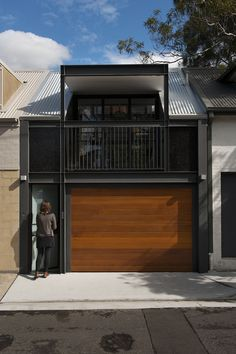 small house bliss Tiny living | ombiaiinterijeri love the garage door