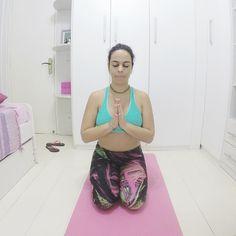 Hoje foi dia de fazer a série primária de #ashtanga. E você já praticou yoga hoje?  Não importa o lugar a hora nem a situação. Reserve um tempo pra sua prática. Quando paramos por alguns dias faz muita diferença no corpo e na mente. E como sei disso!   #felizcomyoga  #yogagopro  #hero4