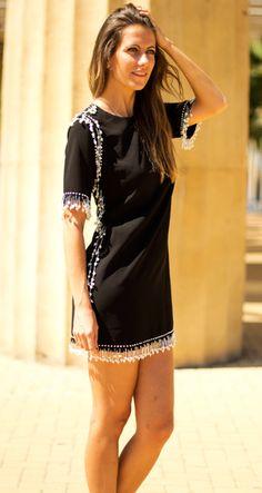 Vestido negro con perlas http://probandoropa.com/es/vestidos/vestido-negro-con-perlas