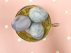From Easter favours to painted eggs, with daffodils and pastel styling galore here are 5 Creative Styling Ideas For Your Spring Easter Wedding Creative Wedding Blogs, Wedding Inspiration and Ideas by Magpie Wedding #magpiewedding Spring Wedding, Wedding Blog, Easter Wedding Ideas, Magpie, Favours, Daffodils, Easter Eggs, Wedding Inspiration, Pastel